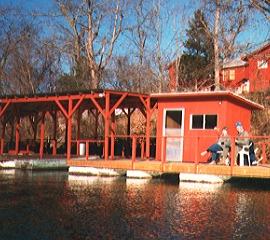 Branson resorts on lake taneycomo cloud nine resort for Lake taneycomo fishing resorts