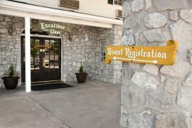 Stone Castle Hotel, Branson MO Lodging (1)