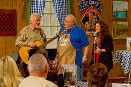Larry's Country Diner, Branson MO Shows (2)